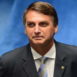 Bolsonaro insists on denying the Covid, in defiance of human loss